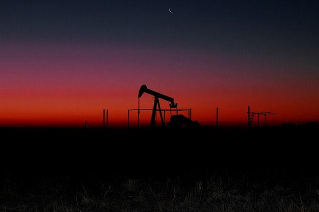 ETF na ropę naftową - krajobraz przemysłowy